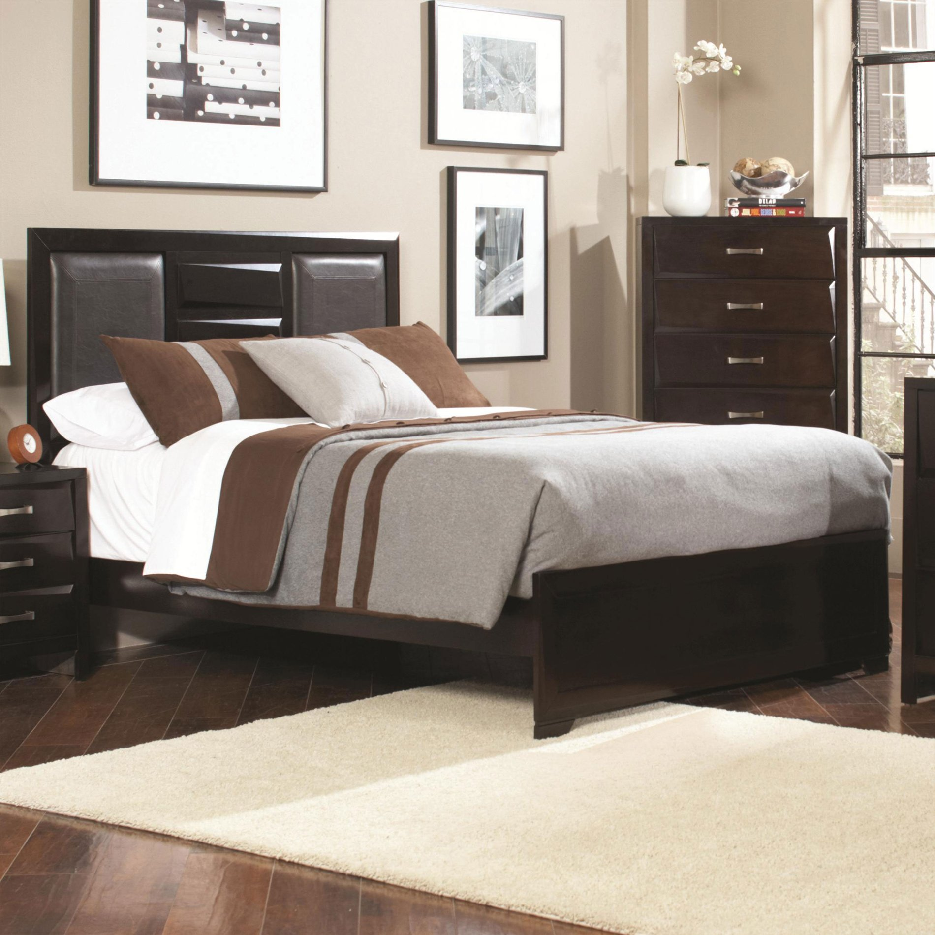 Coaster Home KE Palmetto King Bed with Faux Leather