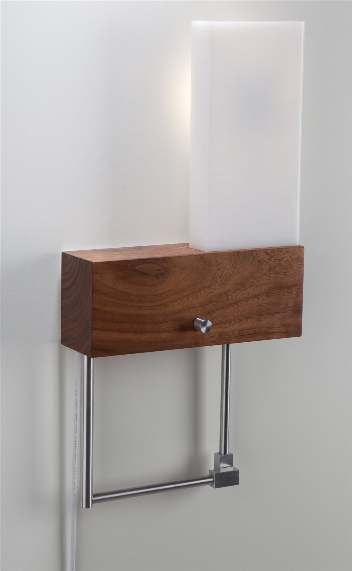 Nick Sheridan 03-110-RC Cubo LED Contemporary Wall Sconce / Reading Light - Plug-In Cord (Right ...
