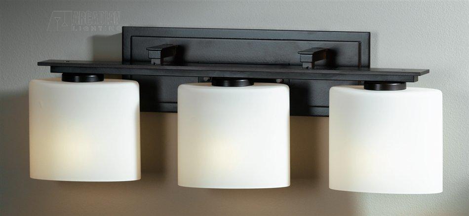 Hubbardton forge 207533 simple ellipse 60w transitional bathroom vanity light hf 207533 for Hubbardton forge bathroom lighting